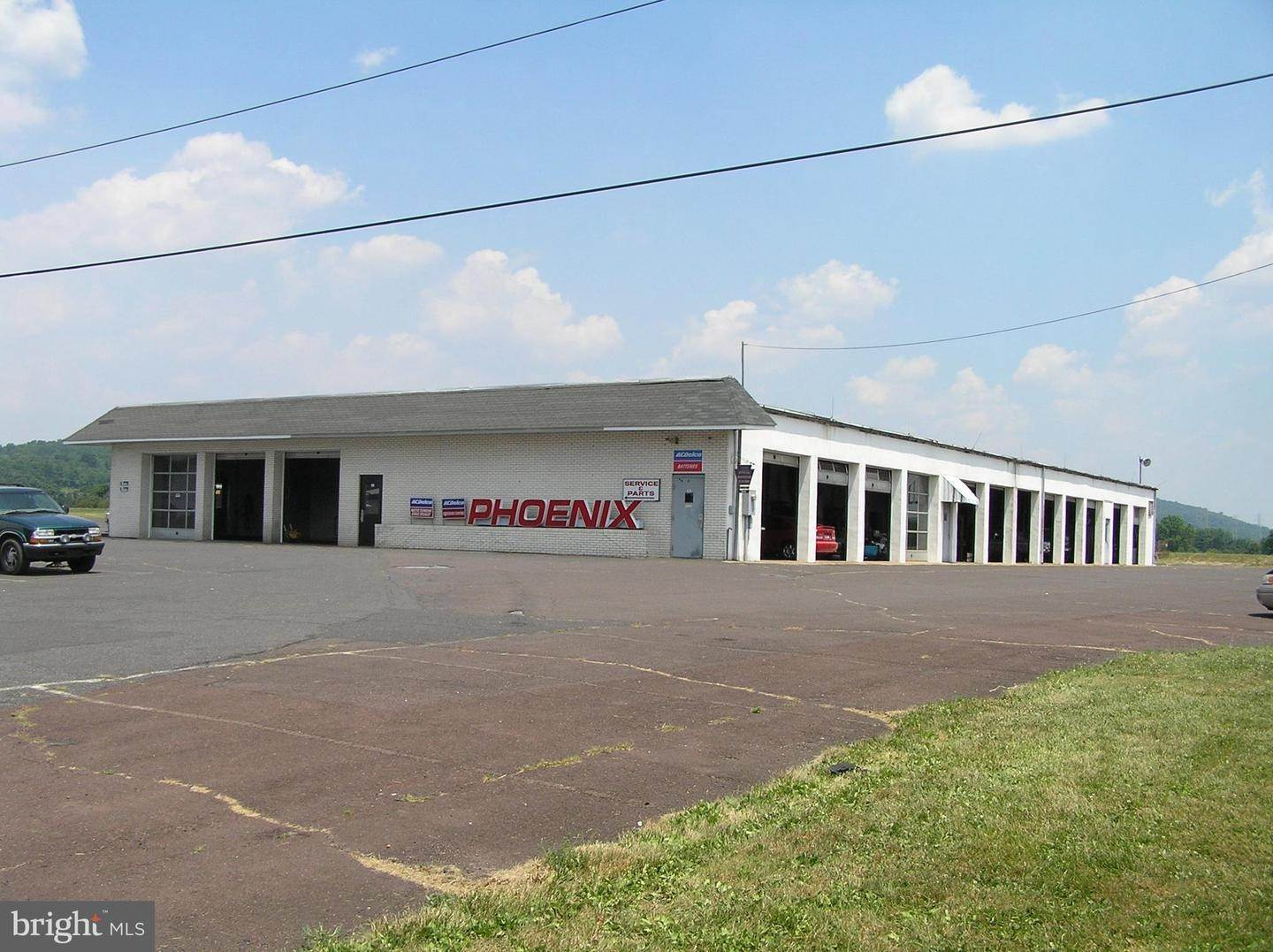 Commercial for Sale at 1014 GRAVEL PIKE Palm, Pennsylvania 18070 United States