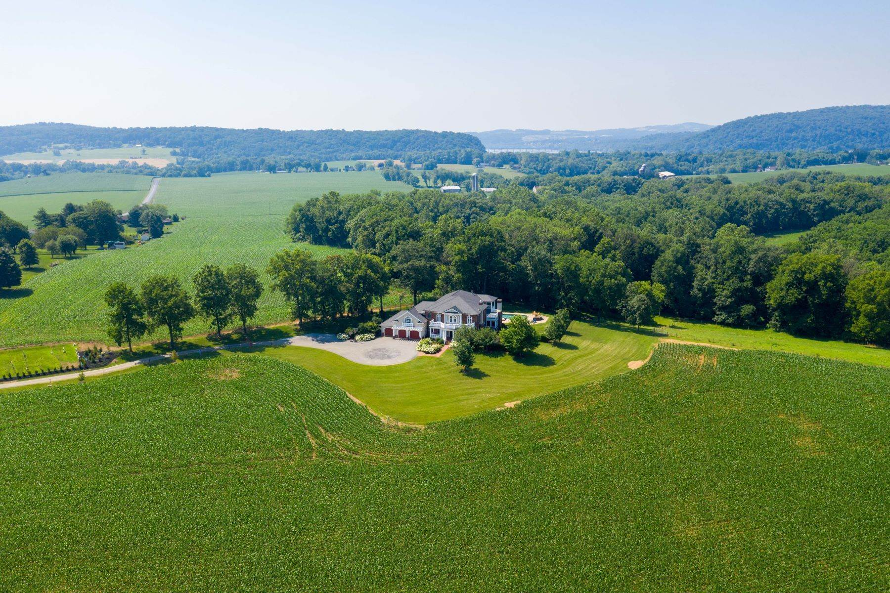 Farm and Ranch Properties por un Venta en 123 Confidential Mount Joy, Pennsylvania 17552 Estados Unidos